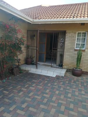 Property For Sale in Vanderbijlpark SE 2, Vanderbijlpark